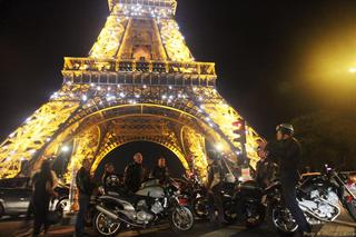 Night in Paris by Voxan 039